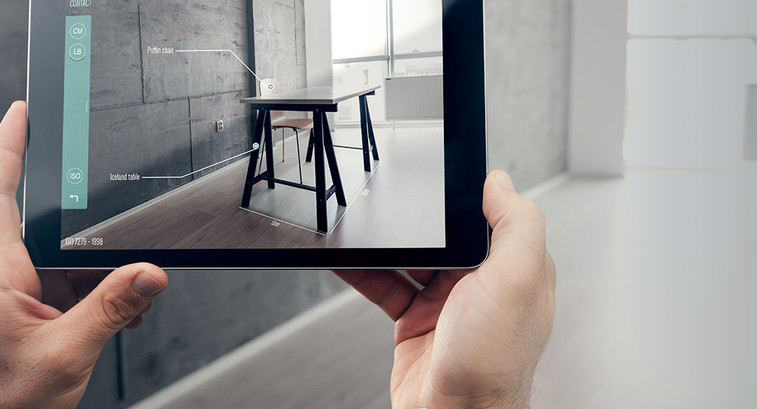 Augmented reality through a tablet